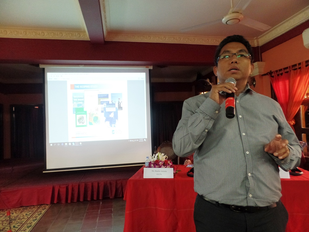 """Danilo Antonio of GLTN presenting the """"Land in the SDGs and New Urban Agenda and Updates on the Global Land Indicators Initiative."""""""